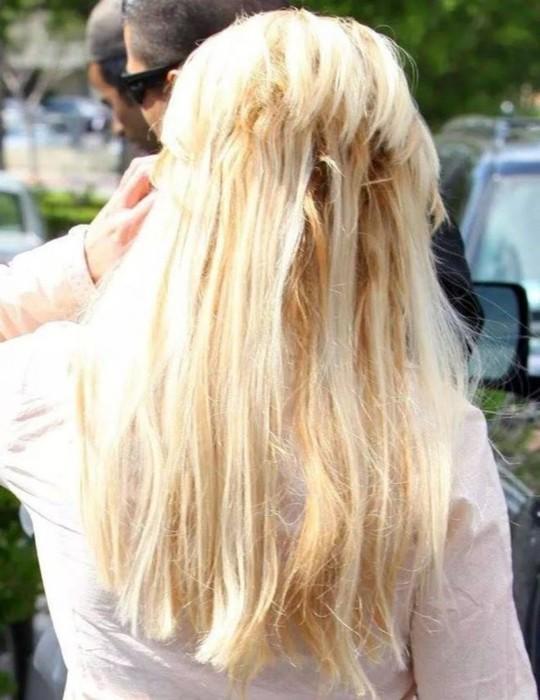 «Прелести» нарощенных волос: 15 смешных фотографий