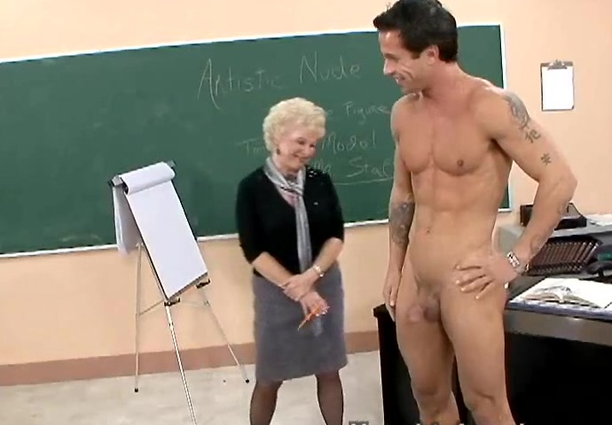 все позирование перед художниками голых молодых парней см видео просто ужасе, совершенно