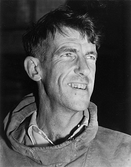 800px-Edmund_Hillary,_c._1953,_autograph_removed (264x335, 38Kb)