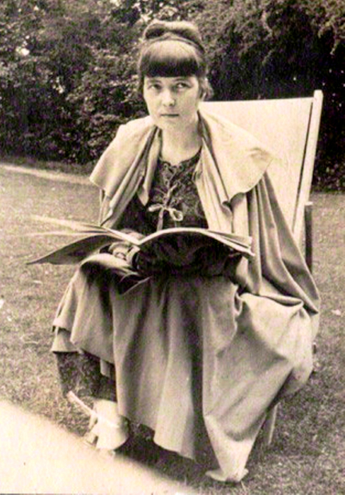 Critical analysis of prelude by katherine mansfield essay
