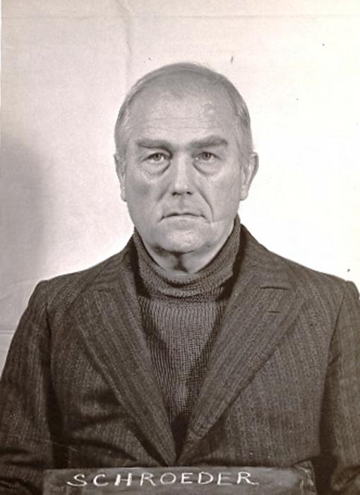 Курт фон Шредер