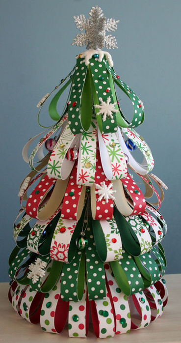 christmas_tree_from_scrap_strips_of (369x700, 311Kb)