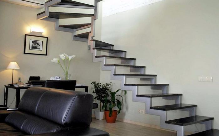 Из чего сделать лестницу для дома (7) (700x434, 253Kb)