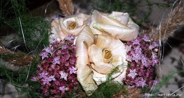 Цветы из шишек, семечек, листьев кукурузы, фисташек и макарон (22) (598x320, 174Kb)