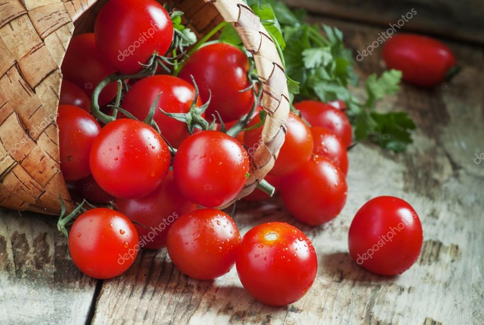 depositphotos_108164636-stock-photo-small-red-cherry-tomatoes-spill (700x470, 349Kb)