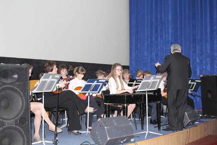 оркестр русских народных инструментов (700x466, 397Kb)
