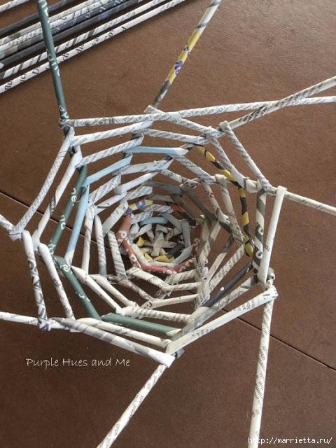 Плетение из газет корзинки-паутинки. Фото мастер-класс (13) (480x640, 237Kb)