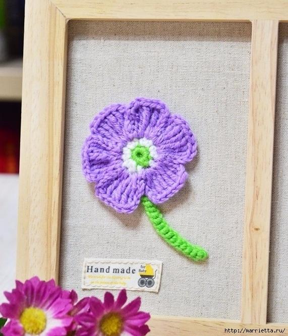 Декоративное панно с вязаными цветочками (10) (571x666, 305Kb)