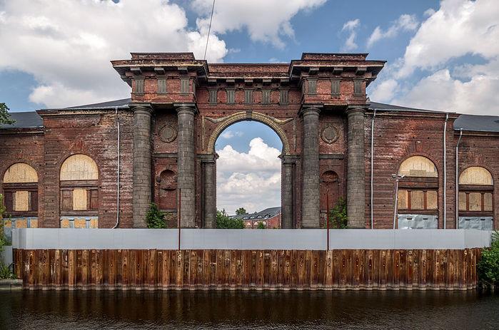 2222299_new_holland_island_gates (700x463, 92Kb)
