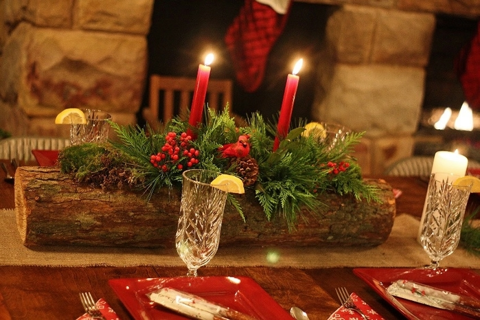 fabulous-interior-decoration-christmas-dining-table-centerpiece-style-green-leaf-pine-tree-red-berry-interior-decoration-freestanding-christmas-dining-n (700x466, 279Kb)