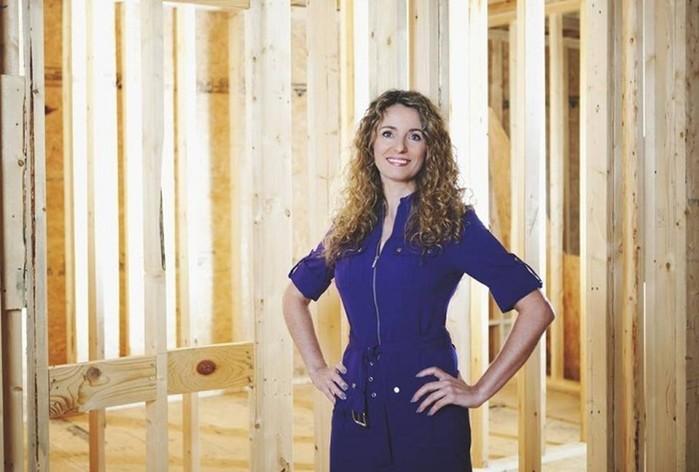 139444663 010518 2034 2 Многодетная мать сама построила дом, посмотрев обучающее видео