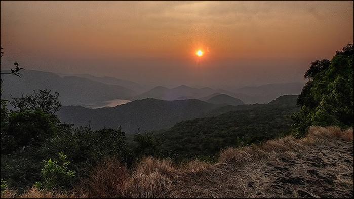 Загат в горах Западные Гаты. Индия/3673959_1 (700x393, 90Kb)