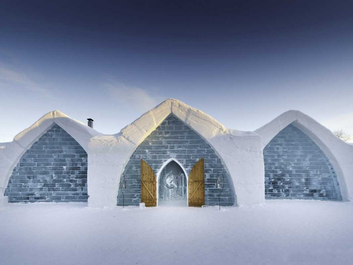 5456360-the-most-elaborate-ice-hotels-around-the-globe-1000-74ccbd30b1-1484636214 (700x525, 192Kb)
