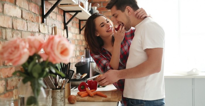 3571750_coupletogetherkitchen870x450 (700x362, 55Kb)
