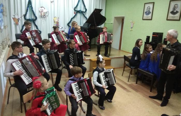 Новогодний концерт класса Макаровых