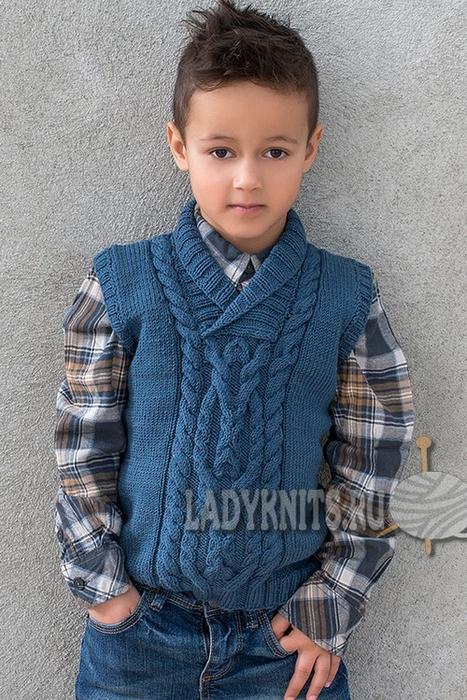вязание спицами жилет безрукавка с косами для мальчика от 2 до 12