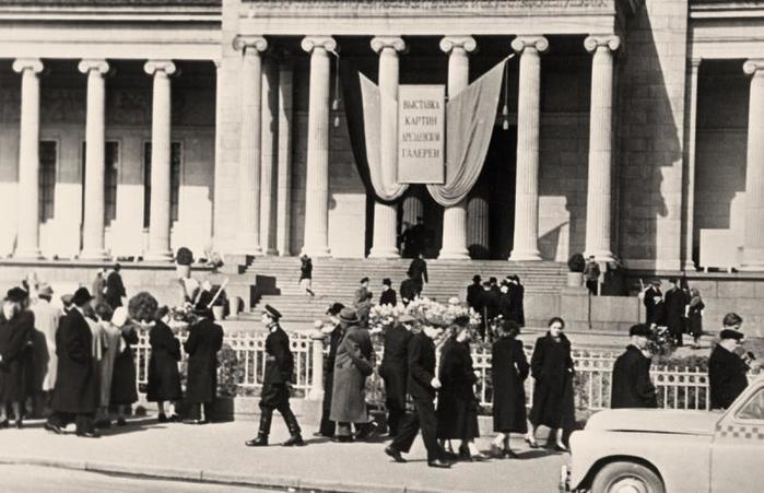 ФОТО Дрезденская КГ в Москве 1955 (700x451, 55Kb)