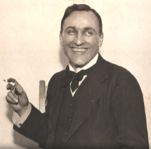 George_Calderon_smiling_with_cigarette (220x217, 76Kb)