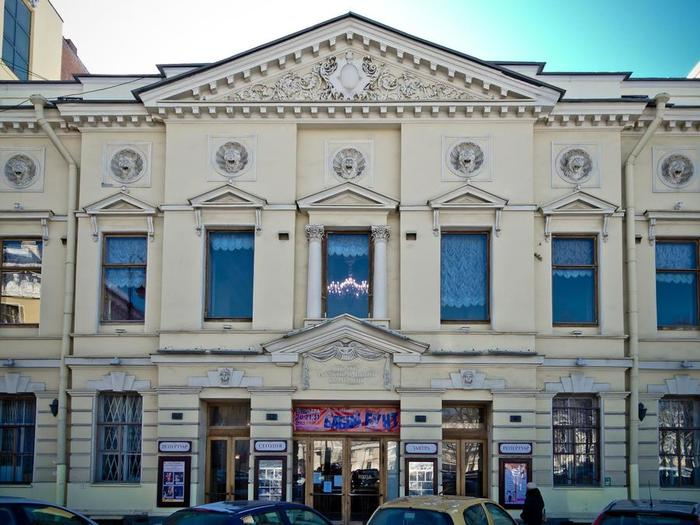 Teatr muzikalnoi komedii 1музкомедия452136 (700x525, 66Kb)
