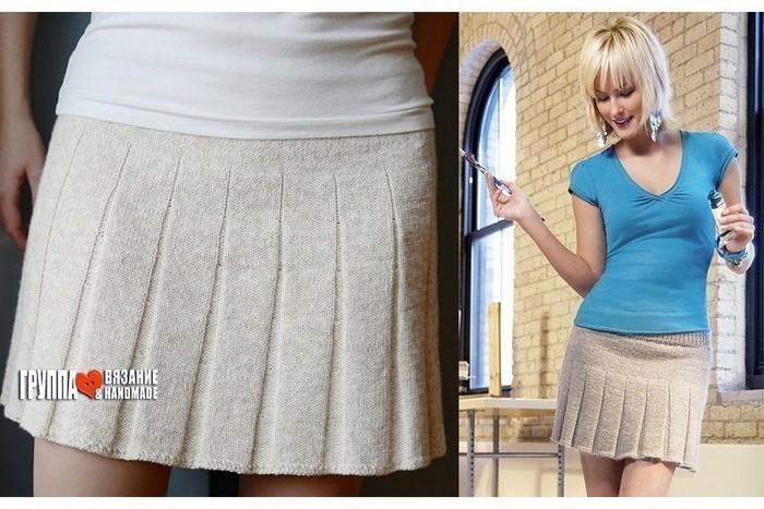 Вязаная спицами мини-юбка со складками