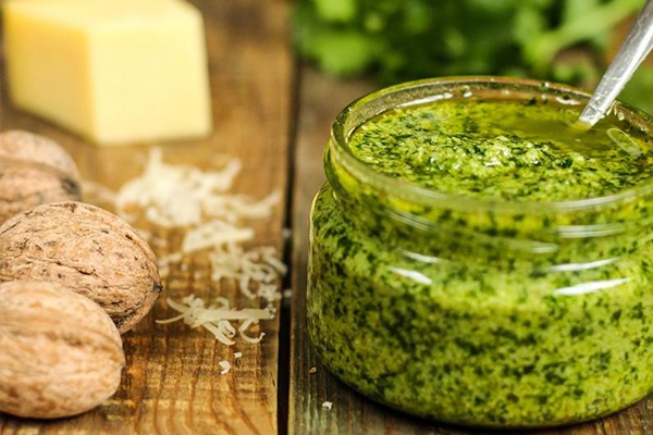 3937385_petrushkapesto (600x400, 187Kb)