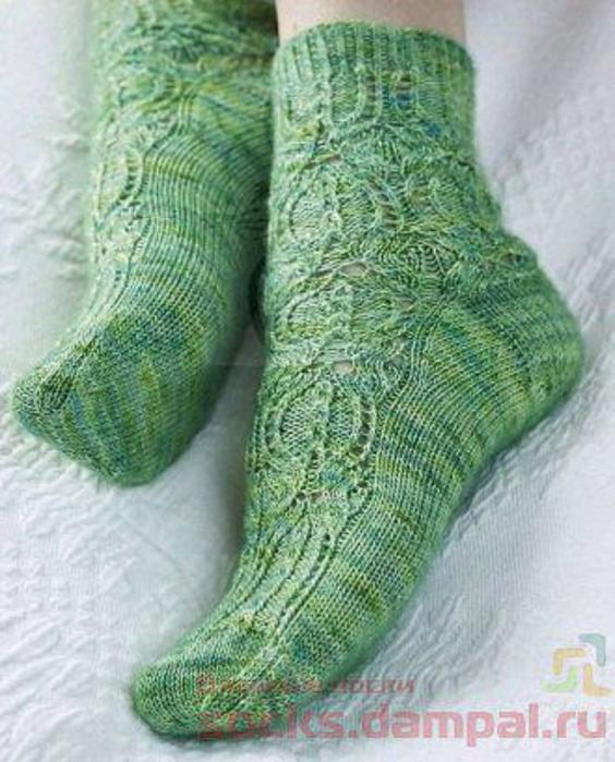 схема вышивки сердечка на пятке носка Sige
