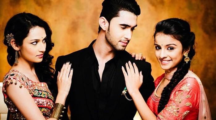 Чему нас учат известные индийские сериалы