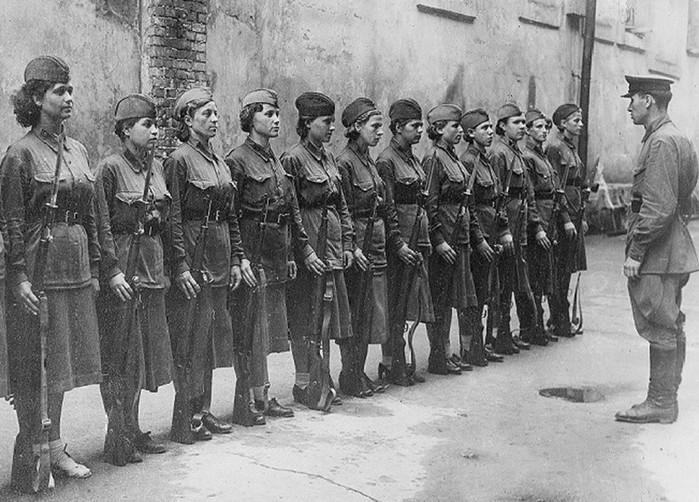 Чем рисковали женщины в штрафных ротах во время войны