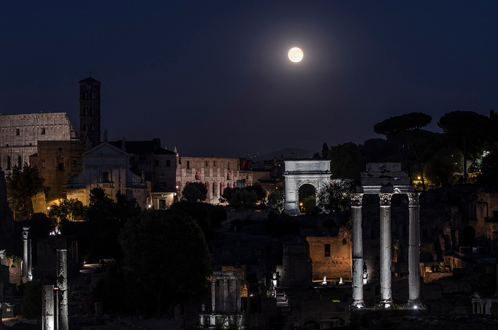 Луна сегодня фото москва этой