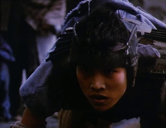 Сиськи Зои Буряк – Двое На Голой Земле (1989)