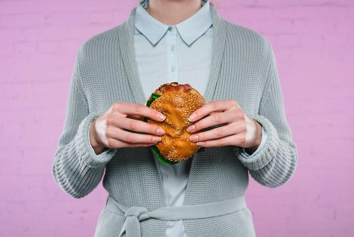Как есть фастфуд и не толстеть: 4 лайфхака