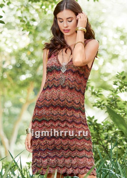 Летнее платье с зигзагообразным узором. Вязание спицами