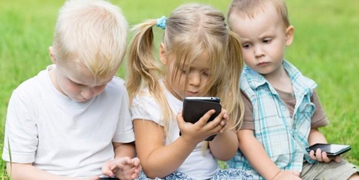 В каком возрасте детям можно разрешать смартфон