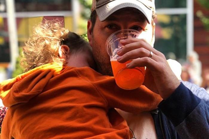 Блогер призвал не критиковать за одержимость детьми