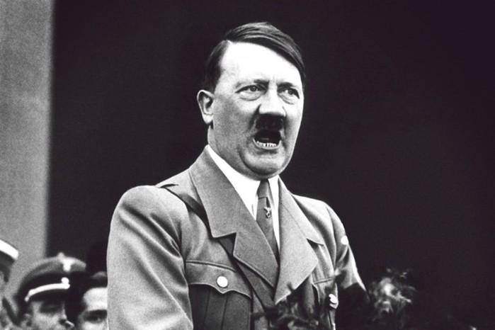 Гей с хлыстом и барабаном. ЦРУ рассекретило документ о Гитлере