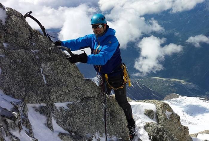 Первый слепой альпинист, покоривший Эверест и не остановившийся на этом
