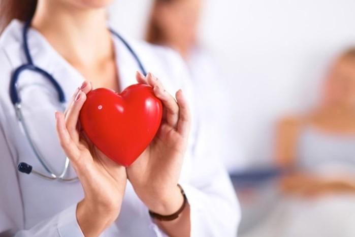 Продукты, полезные для здоровья сердца: курага, фасоль, орехи, птица и рыба