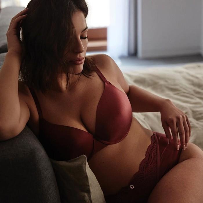 Лайфхак по выбору бюстгальтера без лямок для женщин с большой грудью