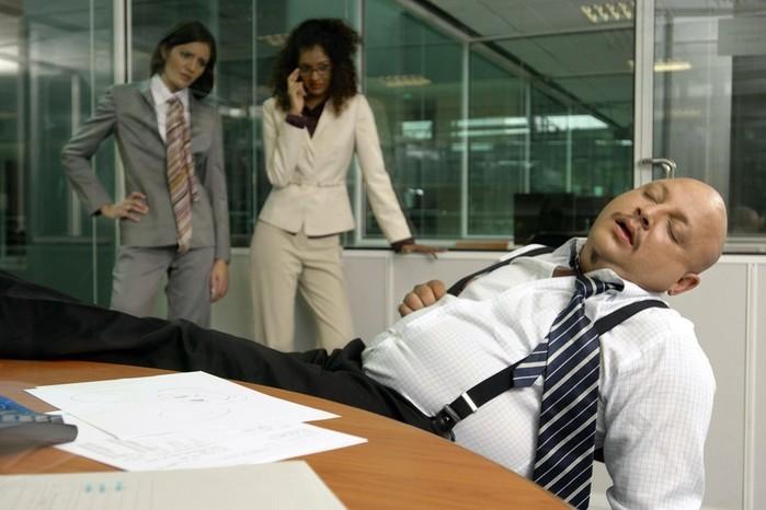 7 способов не заснуть на работе
