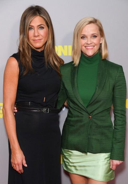 Дженнифер Энистон и Риз Уизерспун в Лондоне на премьере сериала «Утреннее шоу»