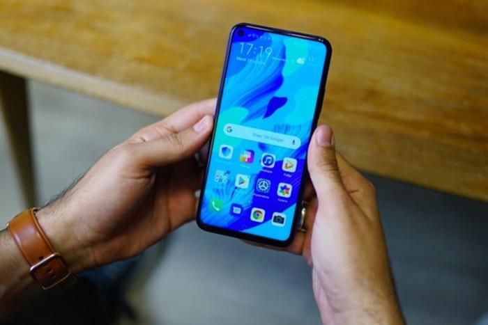 Huawei nova5T: доступный смартфон спятью мощными камерами