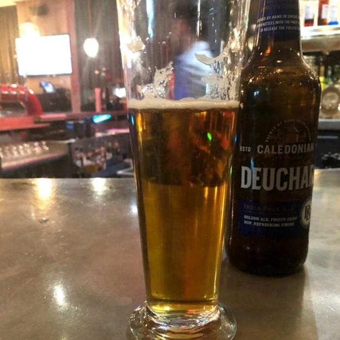 Австралийский турист по ошибке заплатил за 1000 стаканов пива