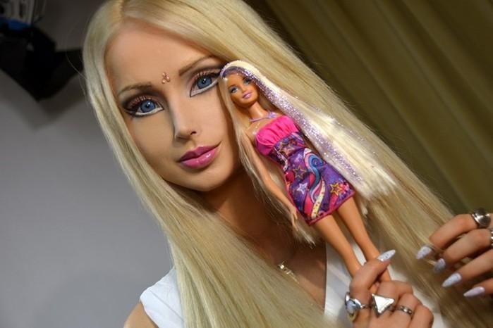 Девушки, которые хотят быть похожими на кукол