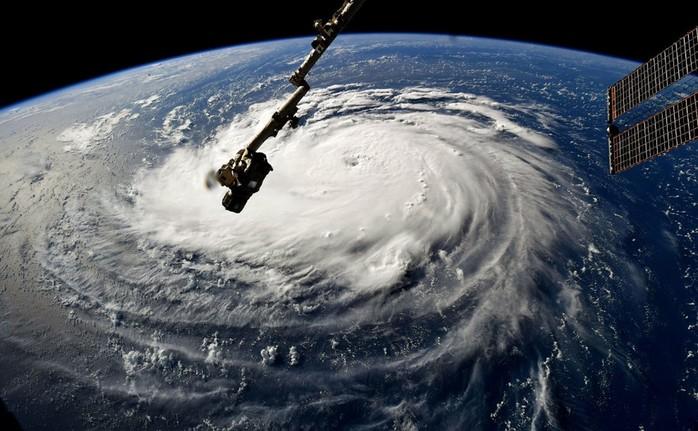 Как выглядит ураган «Флоренс» из космоса