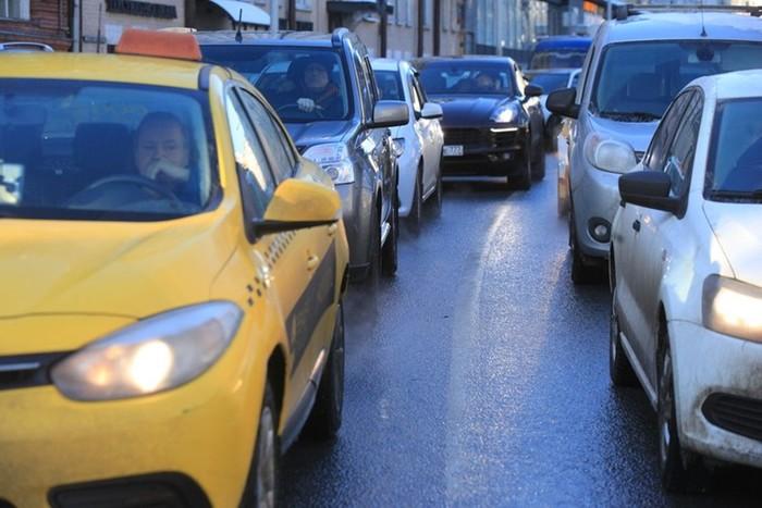 Какие схемы используют мошенники для обмана таксистов