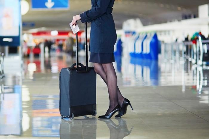 Незаменимый предмет гардероба стюардесс в путешествии