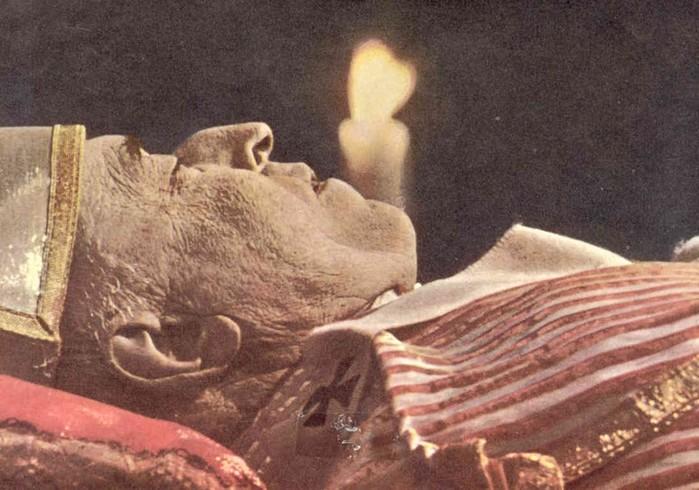 Танцы мертвецов: тело продолжает двигаться даже через полтора года после смерти