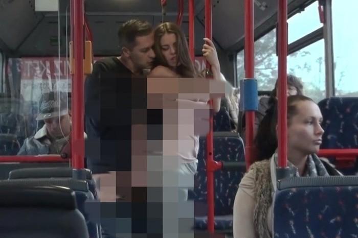 В Уфе пара занималась сексом прямо в автобусе