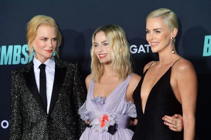 Актрисы главных ролей на премьере фильма «Секс-бомба»