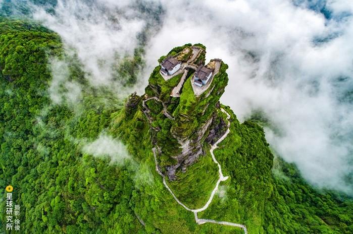 Пейзаж известной горы Фаньцзиншань